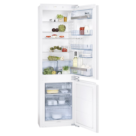 AEG SCS51800F0, In-column Fridge Freezer with A+ Energy Rating.Ex-Display